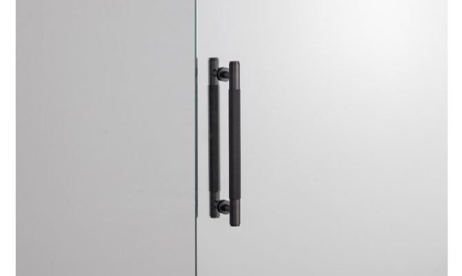 PULL BAR / DOUBLE-SIDED / SMOKED BRONZE Product Image