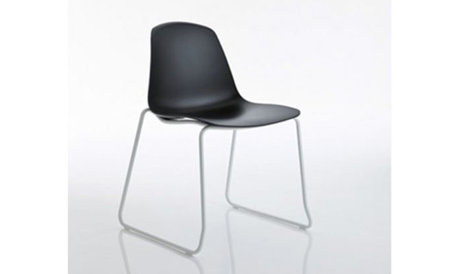 Epoca Chair Product Image