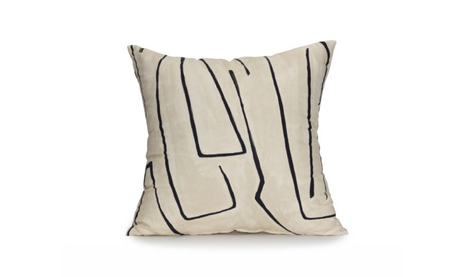 LEE JOFA GRAFFITO LINEN/ONYX – Cushion Product Image