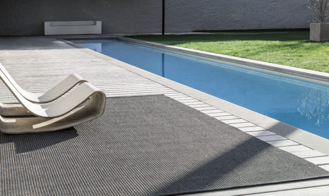 POOLSIDE Product Image