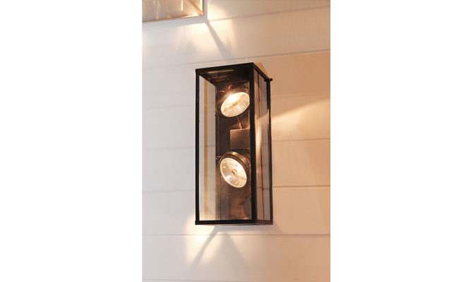 VITRINE OUTDOOR WALL LANTERN – VERTICAL Product Image
