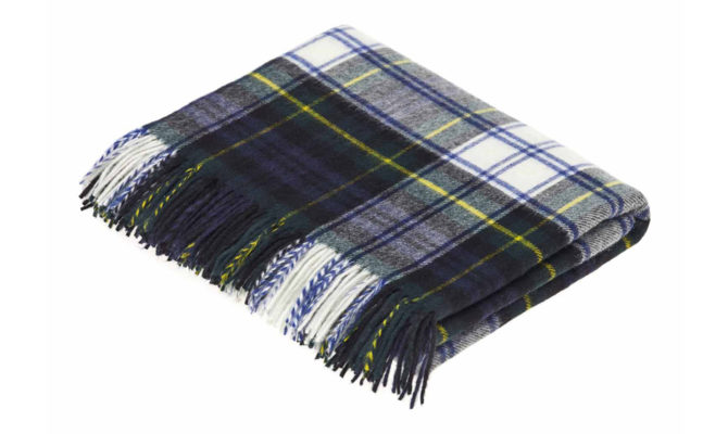 DRESSS GORDON TARTAN | Throw Product Image