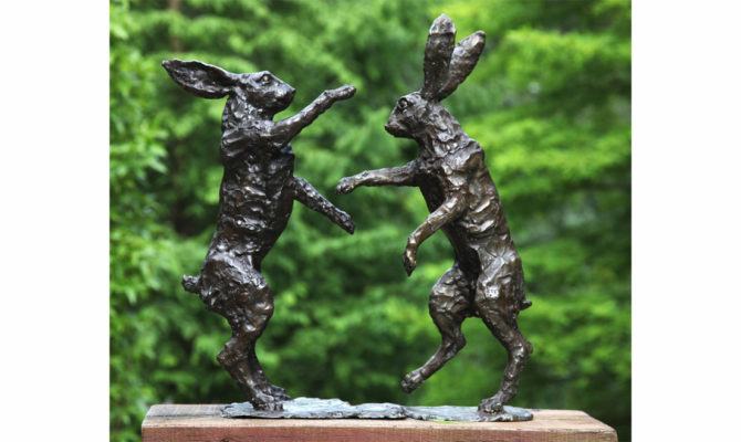 Bronze boxing hares Product Image