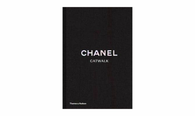 Chanel Catwalk / Book Product Image